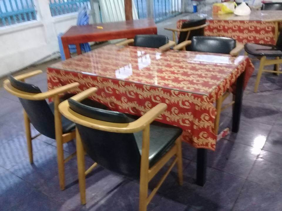 thanh lý bàn ăn nhà hàng