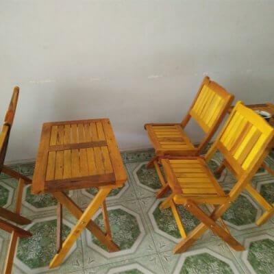 bàn ghế cafe vỉa hè